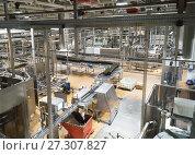 Modern conveyor for water bottling machine. Стоковое фото, фотограф Курганов Александр / Фотобанк Лори
