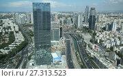 Купить «Вид сверху на Тель-Авив, Ayalon Highway и район Ramat Gan, Израиль», видеоролик № 27313523, снято 16 октября 2017 г. (c) Наталья Волкова / Фотобанк Лори