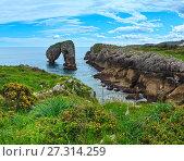 Купить «Villahormes Cliff, Spain.», фото № 27314259, снято 24 января 2020 г. (c) Юрий Брыкайло / Фотобанк Лори