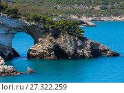 Купить «Summer Arch of San Felice, Italy», фото № 27322259, снято 5 июня 2017 г. (c) Юрий Брыкайло / Фотобанк Лори