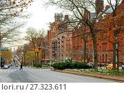Купить «Broadway and West 120th Street. Teachers College, Columbia University is graduate school of education, health and psychology», фото № 27323611, снято 16 декабря 2017 г. (c) Валерия Попова / Фотобанк Лори