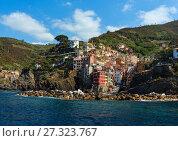 Купить «Summer Manarola, Cinque Terre», фото № 27323767, снято 26 июня 2017 г. (c) Юрий Брыкайло / Фотобанк Лори