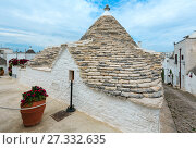 Купить «Trulli houses in Alberobello, Italy», фото № 27332635, снято 6 июня 2017 г. (c) Юрий Брыкайло / Фотобанк Лори