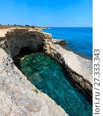 Купить «Grotta del Canale, Sant'Andrea, Salento sea coast, Italy», фото № 27333343, снято 7 июня 2017 г. (c) Юрий Брыкайло / Фотобанк Лори