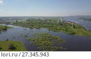 Купить «Никольский храм с высоты», видеоролик № 27345943, снято 13 июня 2017 г. (c) Алексей Кокорин / Фотобанк Лори