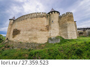 Купить «Khotyn Fortress, located in Khotyn city in Chernivtsi Oblast of western Ukraine.», фото № 27359523, снято 13 июня 2017 г. (c) easy Fotostock / Фотобанк Лори