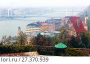 Купить «View of city Budapest cityscape with Danube river», фото № 27370939, снято 29 октября 2017 г. (c) Яков Филимонов / Фотобанк Лори
