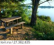 Купить «Сamping pitch on summer lake calm beach», фото № 27382835, снято 31 августа 2017 г. (c) Юрий Брыкайло / Фотобанк Лори