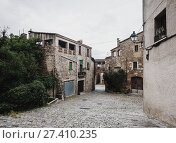 picturesque view of Catalan village. Pubol (2013 год). Стоковое фото, фотограф Яков Филимонов / Фотобанк Лори