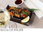 Купить «beautiful japanise yakitori served», фото № 27410255, снято 15 ноября 2018 г. (c) Яков Филимонов / Фотобанк Лори