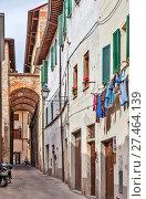 Купить «Сансеполькро (Sansepolcro). Архитектура старого города. Италия», фото № 27464139, снято 5 мая 2014 г. (c) Сергей Афанасьев / Фотобанк Лори