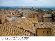 Купить «Крыши средневековой Сиены сентябрьским днем. Италия», фото № 27504991, снято 24 сентября 2017 г. (c) Виктор Карасев / Фотобанк Лори