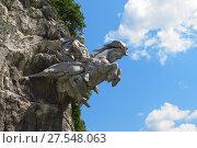 Купить «Скульптура Святого Георгия в Скале на въезде в Цейское ущелье. Республика Северная Осетия - Алания», фото № 27548063, снято 16 июля 2017 г. (c) Ирина Носова / Фотобанк Лори