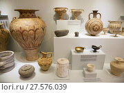 Купить «Variety of vessels, flask and cup found in Knossos Temple Tomb and area dated 1450-1300 BC, Archaeological Museum of Heraklion, Iraklio, island of Crete, Greece, Europe.», фото № 27576039, снято 28 сентября 2017 г. (c) age Fotostock / Фотобанк Лори