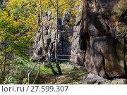 Купить «Bodetal Tor im Herbst Harz», фото № 27599307, снято 23 июля 2019 г. (c) PantherMedia / Фотобанк Лори