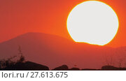 Купить «Evening skyscape with sundown», видеоролик № 27613675, снято 16 ноября 2017 г. (c) Данил Руденко / Фотобанк Лори