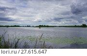 Купить «Lanscape on Pskov lake, timelapse», видеоролик № 27615647, снято 10 декабря 2017 г. (c) Михаил Коханчиков / Фотобанк Лори