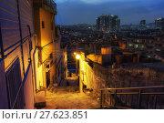 Купить «Haebangchon narrow alleyway», фото № 27623851, снято 17 февраля 2019 г. (c) PantherMedia / Фотобанк Лори
