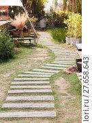 Купить «Garden stone path with grass», фото № 27658643, снято 19 октября 2018 г. (c) PantherMedia / Фотобанк Лори