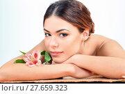 Купить «Beautiful young woman at a spa salon», фото № 27659323, снято 21 мая 2018 г. (c) PantherMedia / Фотобанк Лори