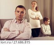 Купить «Family members arguing», фото № 27686815, снято 28 марта 2017 г. (c) Яков Филимонов / Фотобанк Лори