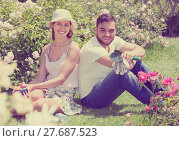 Купить «Couple caring their garden», фото № 27687523, снято 22 октября 2019 г. (c) Яков Филимонов / Фотобанк Лори