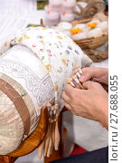 Купить «Bobbin Lace Hands at Work», фото № 27688055, снято 20 марта 2019 г. (c) PantherMedia / Фотобанк Лори