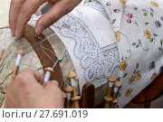 Купить «Bobbin Lace Hands at Work», фото № 27691019, снято 20 марта 2019 г. (c) PantherMedia / Фотобанк Лори
