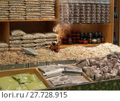 Купить «sales stand with incense in the bazaar», фото № 27728915, снято 21 октября 2019 г. (c) PantherMedia / Фотобанк Лори