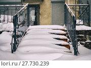 Купить «Staircase covered with snow after a great snow storm», фото № 27730239, снято 4 февраля 2018 г. (c) Георгий Дзюра / Фотобанк Лори