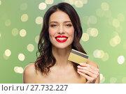 Купить «beautiful woman with red lipstick and credit card», фото № 27732227, снято 5 января 2018 г. (c) Syda Productions / Фотобанк Лори