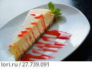 Купить «cheesecake served nicely», фото № 27739091, снято 24 марта 2019 г. (c) Яков Филимонов / Фотобанк Лори