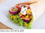Купить «chicken wrap pullet tortilla taco», фото № 27812291, снято 19 июня 2019 г. (c) PantherMedia / Фотобанк Лори