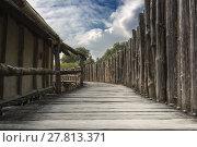 Купить «old wood bridge railing palisade», фото № 27813371, снято 20 апреля 2018 г. (c) PantherMedia / Фотобанк Лори