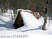 Купить «Snow-covered shed in the mountains of Caucasus», фото № 27816071, снято 18 июня 2018 г. (c) PantherMedia / Фотобанк Лори