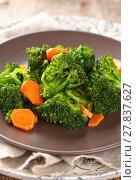 Купить «Steamed broccoli on plate.», фото № 27837627, снято 14 декабря 2018 г. (c) PantherMedia / Фотобанк Лори