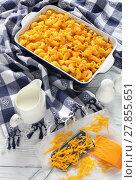 Купить «tasty Mac and cheese in baking dish», фото № 27855651, снято 6 февраля 2018 г. (c) Oksana Zh / Фотобанк Лори