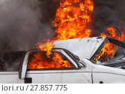 Купить «burning and then extinguish an old white car - Exercise firefighters», фото № 27857775, снято 15 февраля 2019 г. (c) PantherMedia / Фотобанк Лори