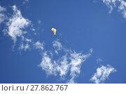 Купить «fly a kite», фото № 27862767, снято 19 октября 2019 г. (c) PantherMedia / Фотобанк Лори