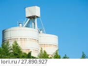 Купить «White silos for the storage», фото № 27890927, снято 16 июля 2019 г. (c) PantherMedia / Фотобанк Лори