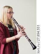 Купить «musician clarinet klarinettenspielerin klarinettist mädchen», фото № 27894551, снято 18 марта 2019 г. (c) PantherMedia / Фотобанк Лори