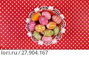 Купить «Easter eggs in basket rotating on the red tablecloth», видеоролик № 27904167, снято 3 мая 2016 г. (c) Алексей Кузнецов / Фотобанк Лори