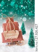 Купить «Vertical Christmas Sleigh On Green Background, Text Seasons Greetings», фото № 27926427, снято 26 марта 2019 г. (c) PantherMedia / Фотобанк Лори