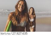 Купить «Let's surf», фото № 27927635, снято 19 октября 2019 г. (c) PantherMedia / Фотобанк Лори