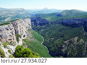 Купить «gorges du verdon,canyon,verdon,river,rock,landscape,provence,france,nature,forest,forests,wide,panorma,sky,steep,nobody,holiday,adventure,travel,silence,summer,gorge,hiking,climbing», фото № 27934027, снято 23 марта 2019 г. (c) PantherMedia / Фотобанк Лори