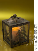 Купить «Christmas candle lantern», фото № 27955371, снято 31 марта 2020 г. (c) PantherMedia / Фотобанк Лори