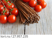 Купить «Wholegrain rye spaghetti, tomatoes and herbs», фото № 27957235, снято 19 декабря 2018 г. (c) PantherMedia / Фотобанк Лори