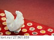 Купить «Pottery rooster on the Japanese handmade paper», фото № 27961659, снято 22 июня 2018 г. (c) PantherMedia / Фотобанк Лори