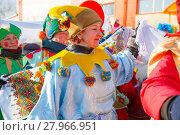 Купить «Скоморохи на масленице», эксклюзивное фото № 27966951, снято 17 февраля 2018 г. (c) Иван Карпов / Фотобанк Лори