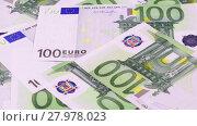 Купить «Rotating 100 Euros bank notes business background», видеоролик № 27978023, снято 31 декабря 2017 г. (c) Алексей Кузнецов / Фотобанк Лори